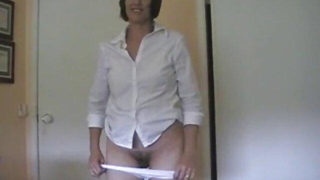 Garganta profunda euro belleza obtiene videos gay de bilatinmen dp masturbar
