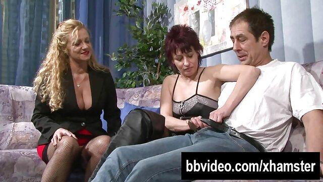 Bajo peliculas porno online latino falda anal