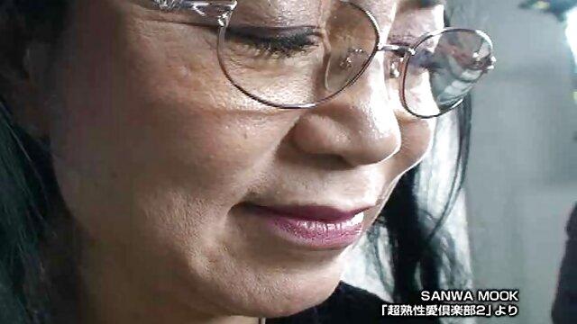 Anita lesbiana siendo besada videos de porno español latino - solo besos
