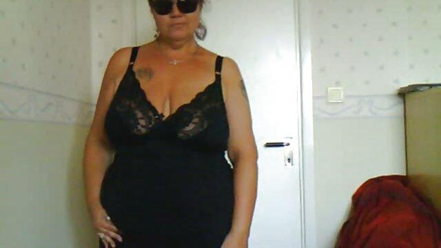 Tatuada mz travesura vibra ver peliculas porno latino su coño