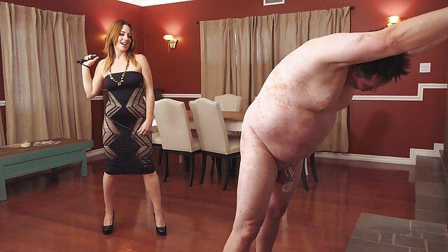 Sirvienta de ébano recibe una polla blanca sexo videos latinos por el culo